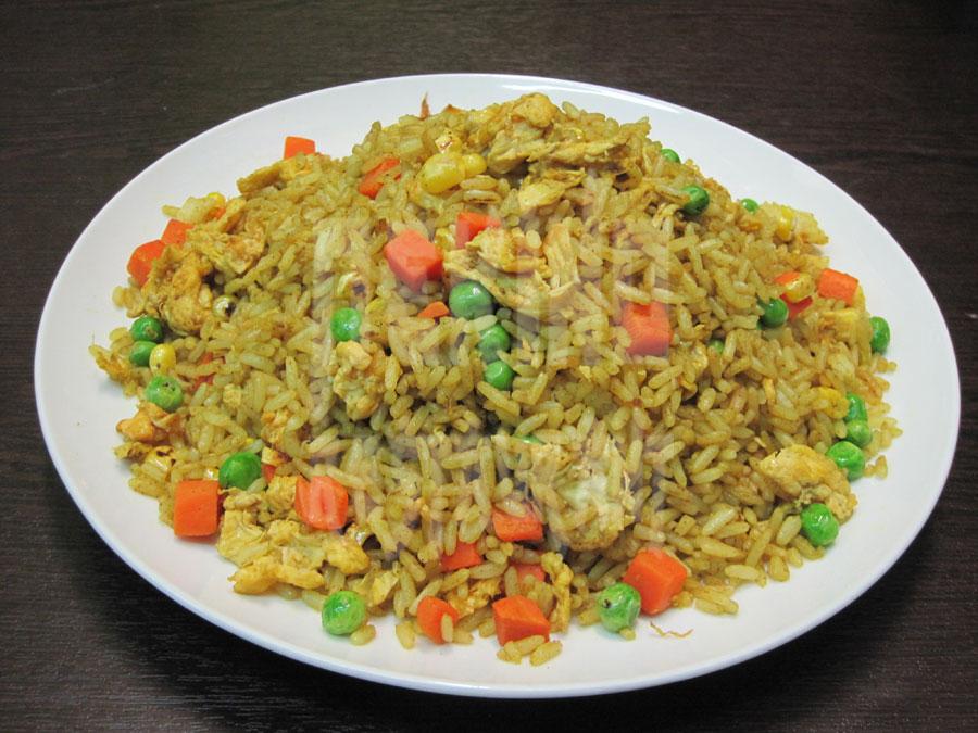 Τηγανητό ρύζι με κάρυ