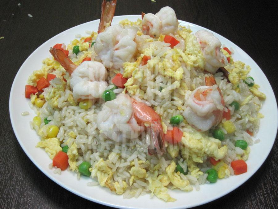 Τηγανητό ρύζι με γαρίδες